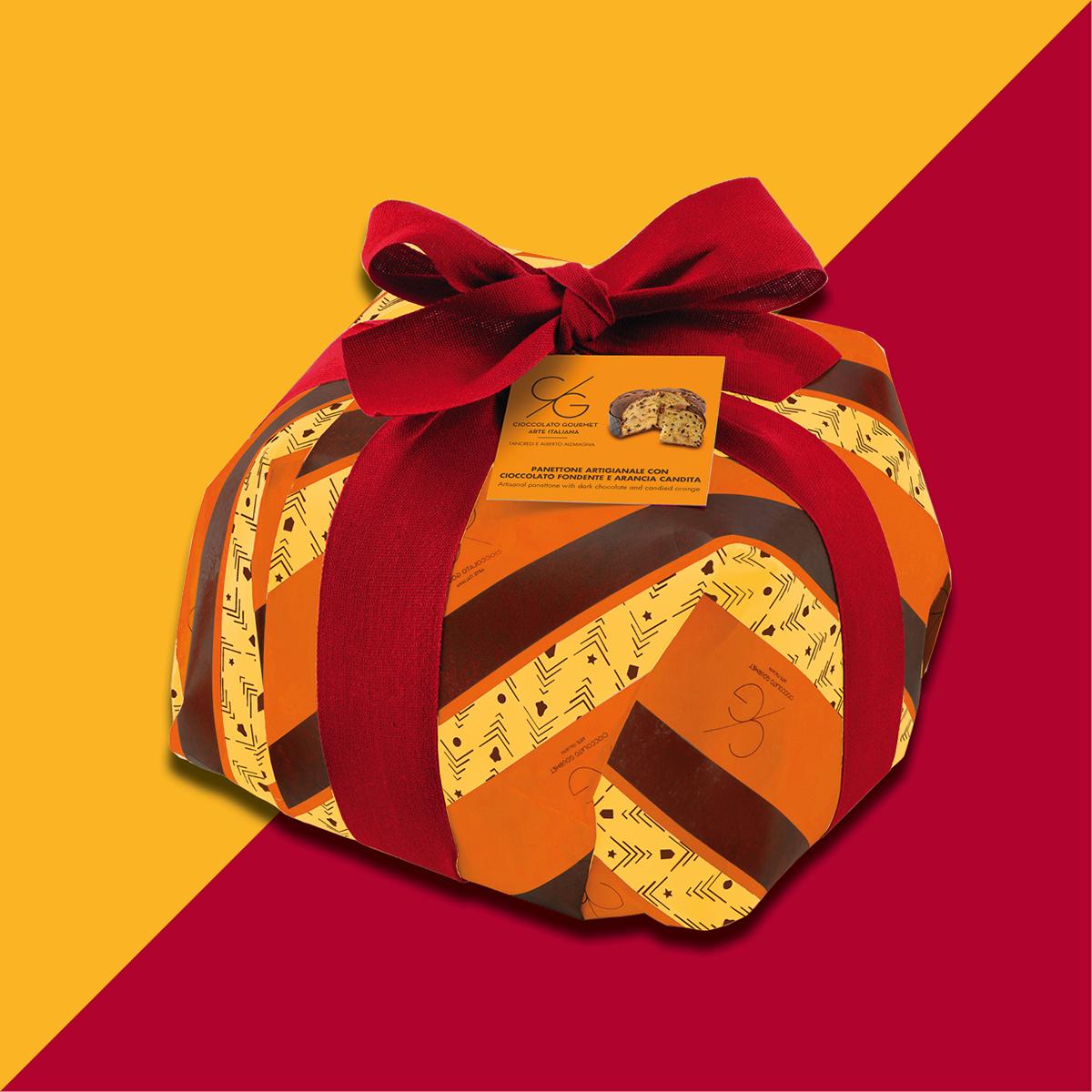 Artisanal panettone with chocolate and orange